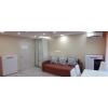 2-комнатная теплая кв-ра,  в самом центре,  все рядом,  шикарный ремонт,  с мебелью,  встр. кухня,  быт. техника
