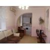Недорого продам.  2-х комн.  просторная кв-ра,  Соцгород,  все рядом,  в отл. состоянии,  встр. кухня,  с мебелью,  проходное ме