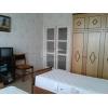 Продам.  2-комнатная кв-ра,  в престижном районе,  все рядом,  быт. техника,  с мебелью