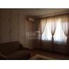 Прямая продажа.  трехкомнатная теплая квартира,  Лазурный,  все рядом,  с мебелью