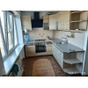 Сдается 2-к квартира,  Даманский,  все рядом,  евроремонт,  быт. техника,  встр. кухня,  с мебелью,  +коммун. пл. (3 комн. переп