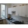 Срочно продается 2-х комн.  чистая кв-ра,  центр,  п-кт.  Мира,  транспорт рядом,  евроремонт,  с мебелью,  встр. кухня,  быт. т