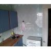 Срочно продам.  2-комн.  чистая квартира,  престижный район,  рядом Крытый рынок,  кондиционер