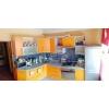 Срочно продам.  трехкомнатная квартира,  Даманский,  все рядом,  в отл. состоянии,  встр. кухня