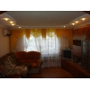 трехкомнатная уютная квартира,  Соцгород,  все рядом,  в отл. состоянии,  с мебелью,  встр. кухня