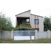 Всвязи с выездом.  2-этажный дом 16х8,  10сот. ,  Ивановка,  со всеми удобствами,  есть колодец,  печ. отоп.