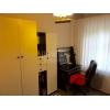 Всвязи с выездом.  3-х комнатная уютная квартира,  престижный район,  Нади Курченко,  транспорт рядом,  в отл. состоянии,  с меб
